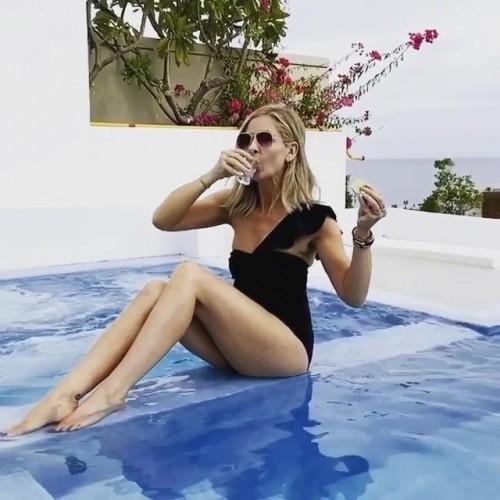 Sarah-Michelle-Gellar-Feet-391eced2c8ad0a539c.jpg