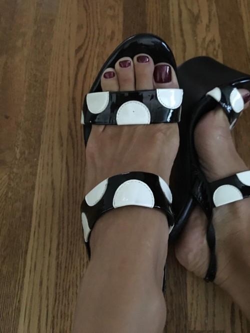 Shauna-Sand-Feet-37a33bc12e1d56d91.jpg