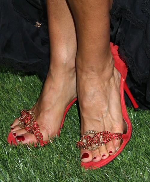 Sofia-Milos-Feet-4067a8b646674dd08.jpg