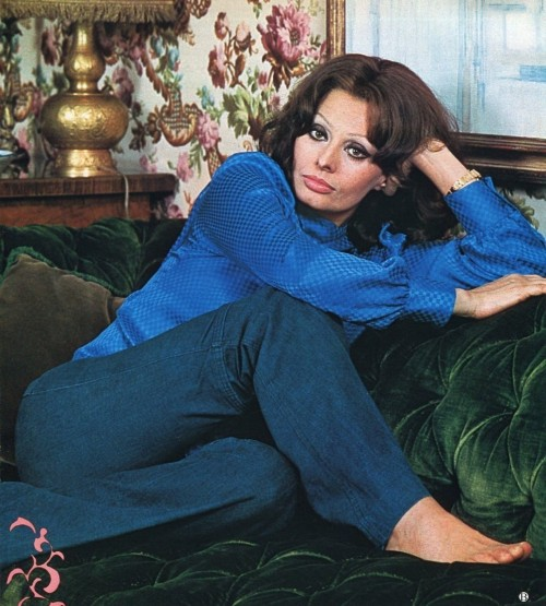 Sophia-Loren-Feet-384b2e31442f53bb5.jpg