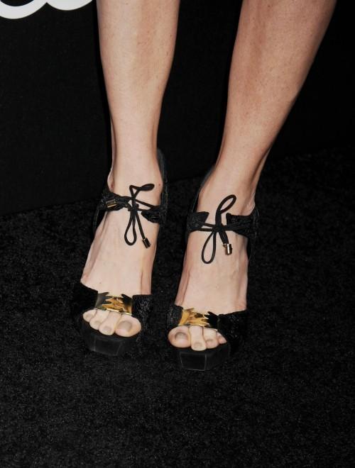 Taryn-Manning-Feet-11870a2e25db671323.jpg
