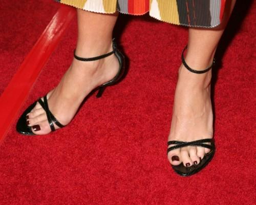 Taryn-Manning-Feet-15276754e5d17f46cd.jpg