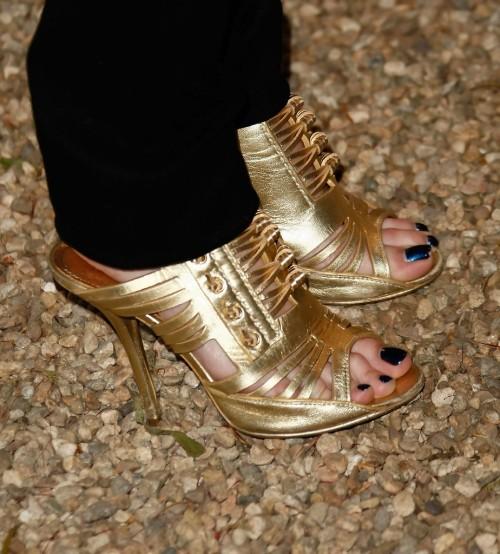 Taryn-Manning-Feet-7a3bd2caf907d178f.jpg