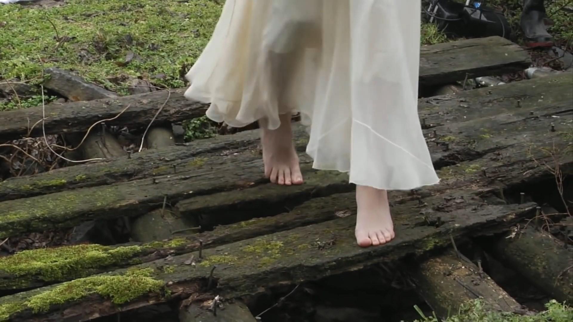 Taylor Swift Barefoot 11 Celebrity Feet Pics