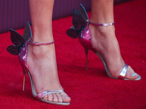 Taylor-Swift-Feet-178c56c62c0d109b87.jpg