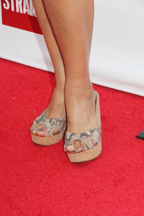 Tia-Carrere-Feet-1332e30b22ec45b2b8.jpg