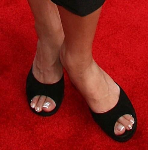 Tia-Carrere-Feet-442e92bd138041023.jpg