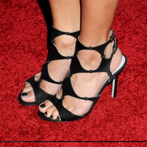 Vanessa-Hudgenss-Feet-4384be6daa251907e0d.jpg