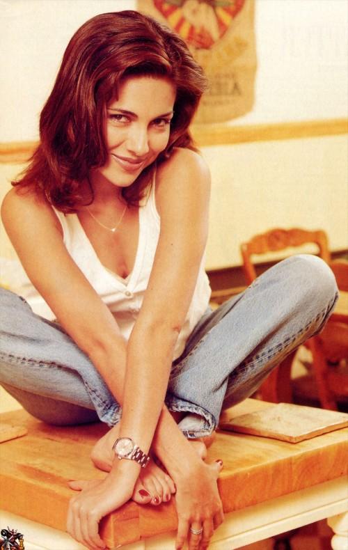 Vanessa-Marcil-Feet-6b95a030473fac0b8.jpg