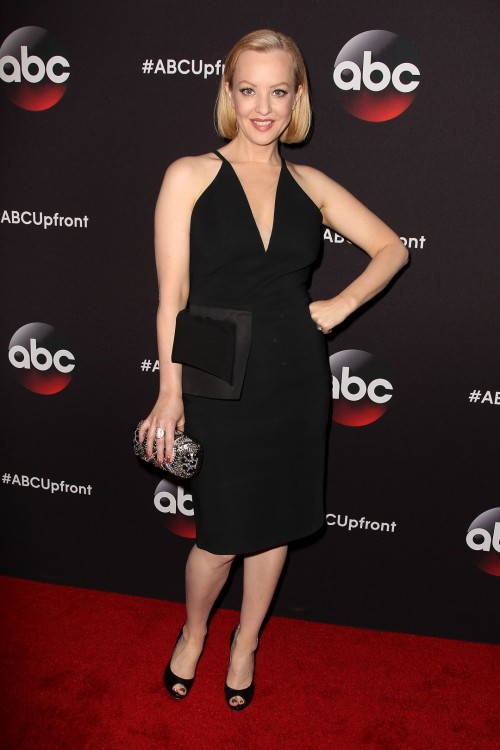 Wendi-McLendon-Covey-feet-751083cd8e14740441.jpg