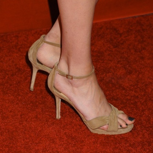 Willa-Hollands-feet-20732f8cfdd73e74a15.jpg