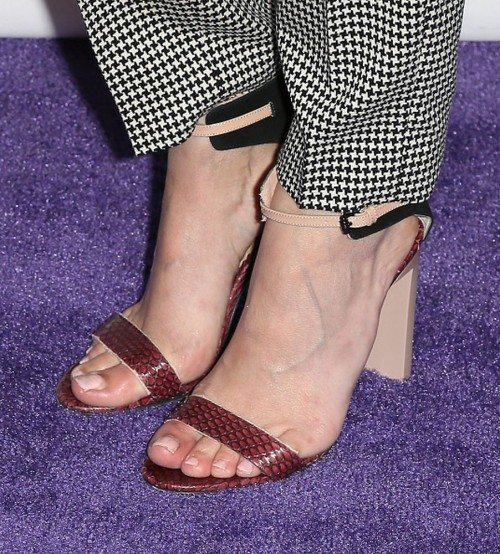 Willa-Hollands-feet-22740cdc9f6da6630c2.jpg