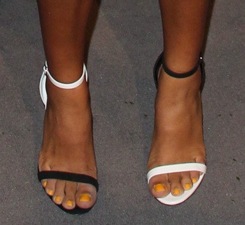Yara-Shahidi-Feet-894a10f3e2a9b2a1b.jpg