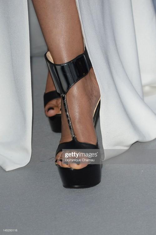 lisa-edelstein-feet-3e4c6949abe0ca1eb.jpg