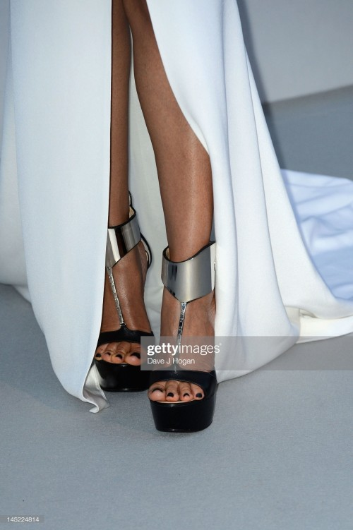 lisa-edelstein-feet-4e59989202241cfdc.jpg